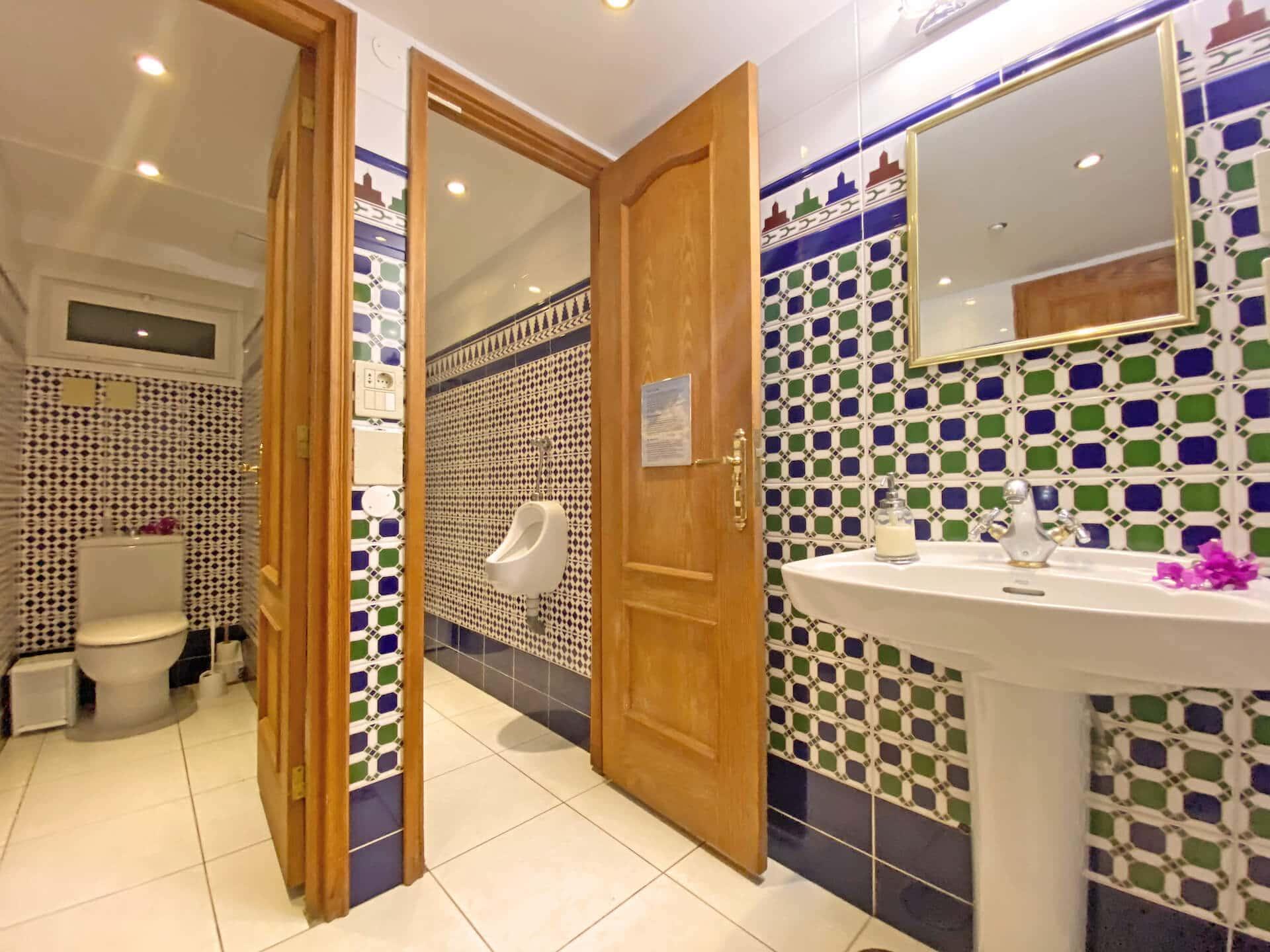 Samadhi WCs Kopie