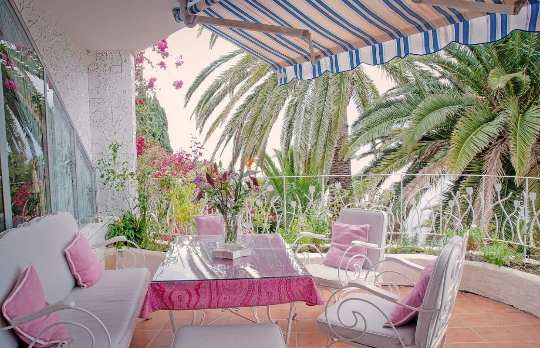 Terrasse vor dem Bella Vista,