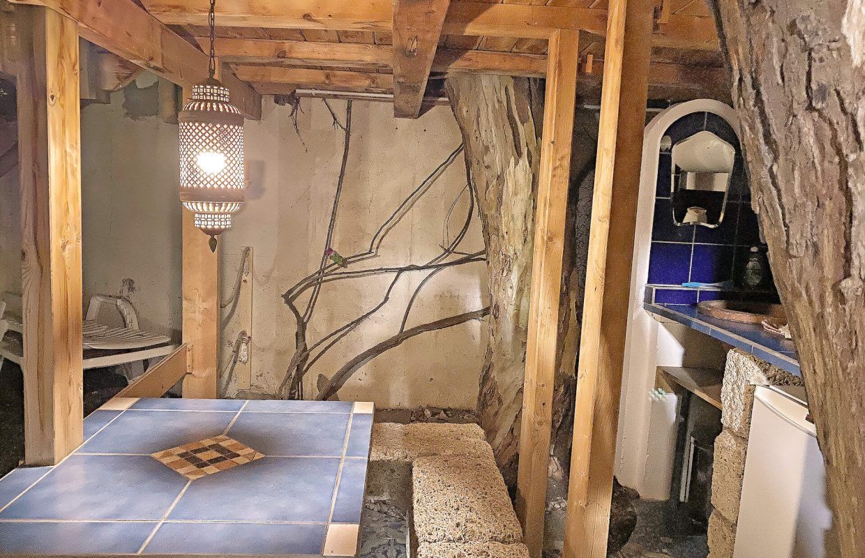 Baumhaus Esstisch-Küche Kopie